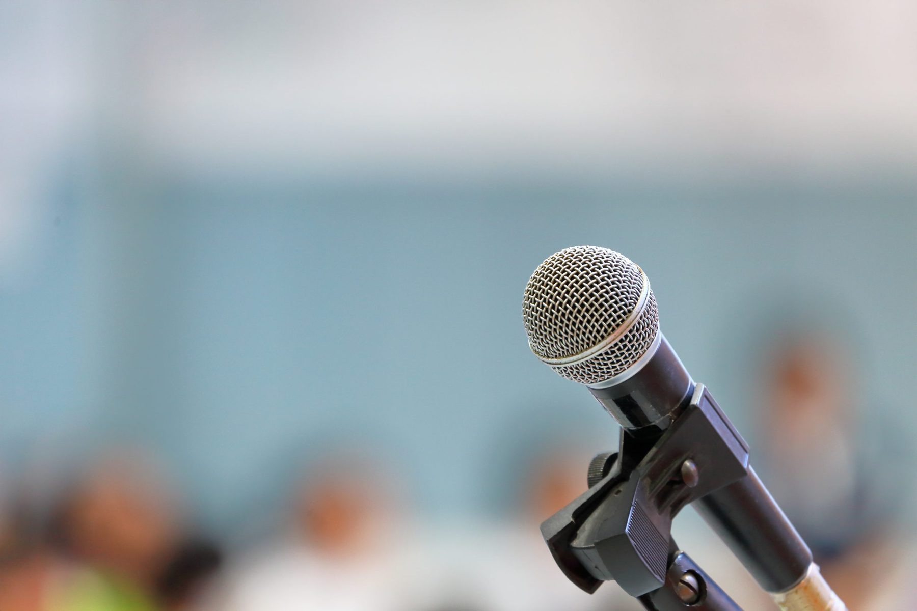 Hypnosis can help you overcome public speaking anxiety. Get help in West Sussex.